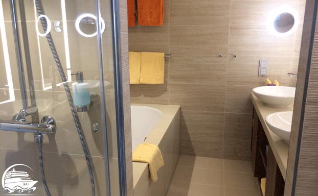 Badezimmer einer Premium Suite