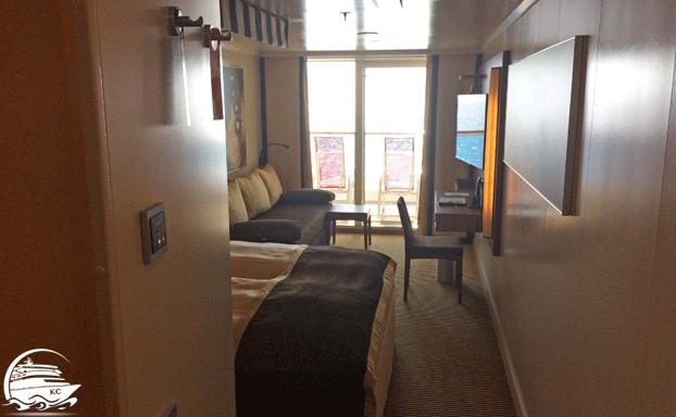 Blick in die Kabine Richtung Balkon
