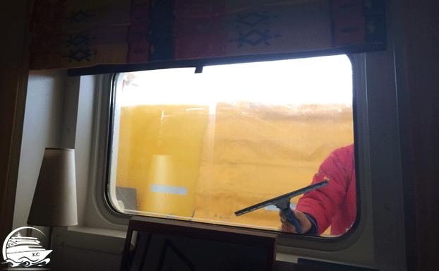 Meerblickkabine mit eingeschränkter Sicht - Fensterputzer zu Besuch ;-)