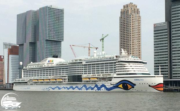 AIDAprima am Kreuzfahrtterminal Rotterdam