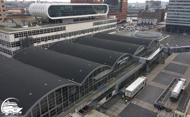 Blick auf das Cruiseterminal Rotterdam