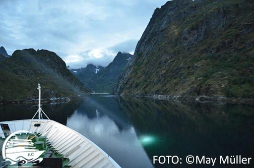 Mit Hurtigruten durch die Fjorde in Norwegen.