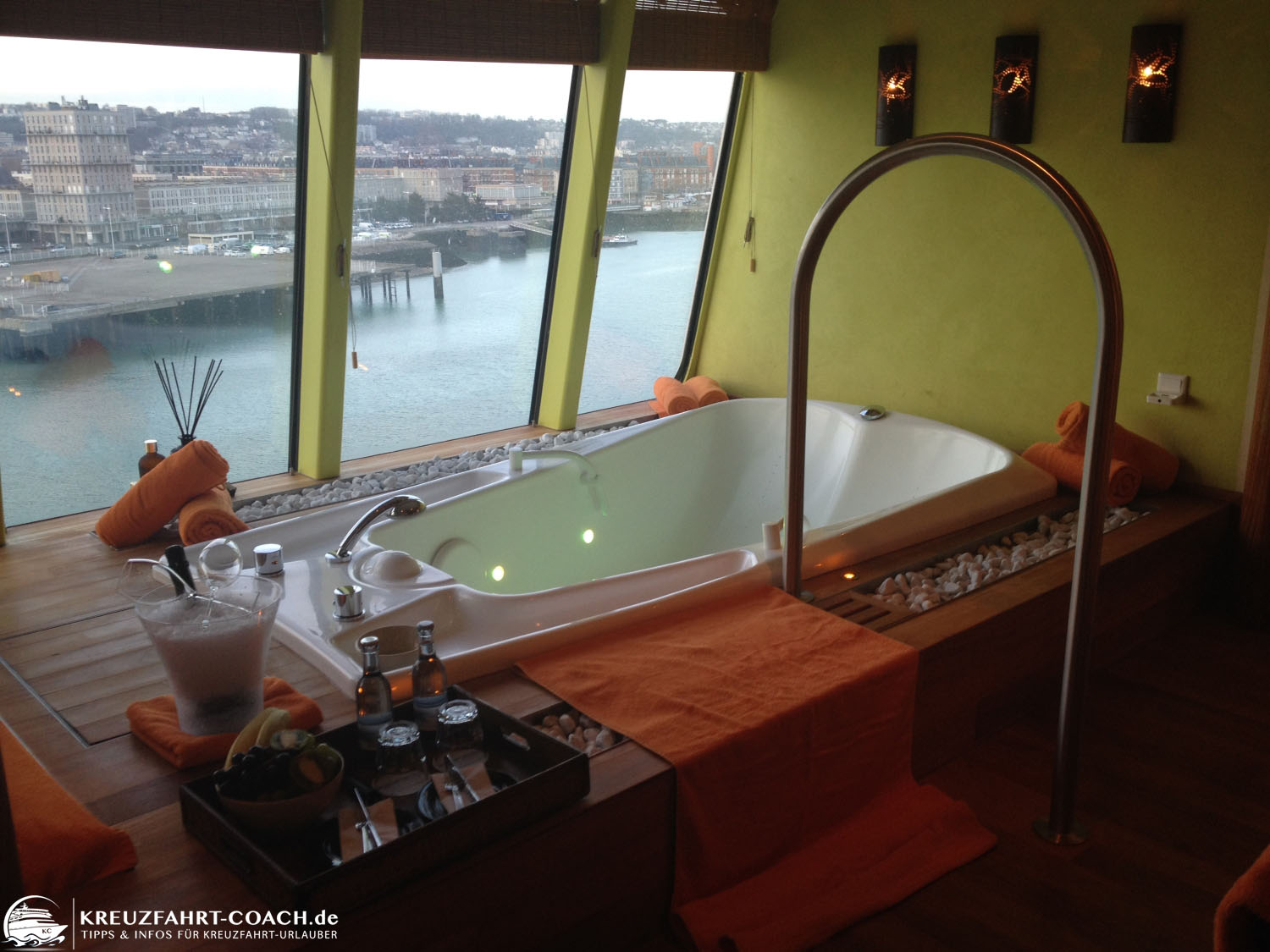 Whirlpool in der Wellnessuite