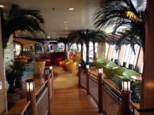 Palmen im Schiff