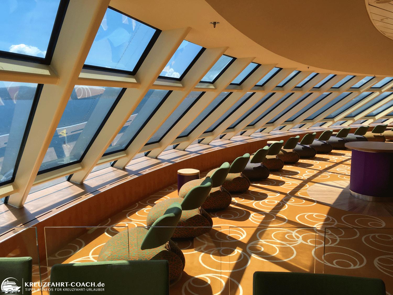 Die AIDA Lounge mit tollem Ausblick