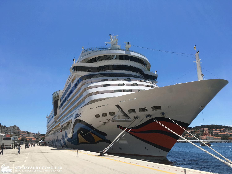 AIDAblu im Hafen von Dubrovnik