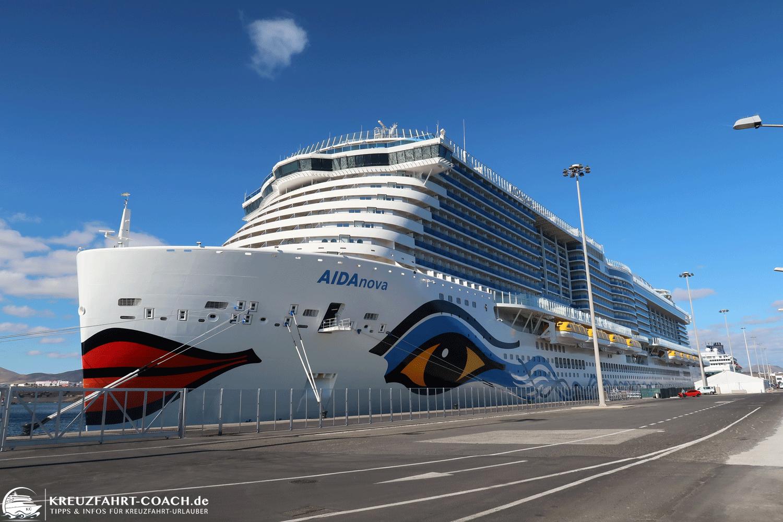 AIDAnova im Hafen