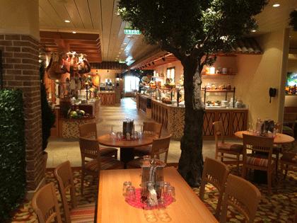 Blick ins Bella Donna Restaurant auf AIDAprima