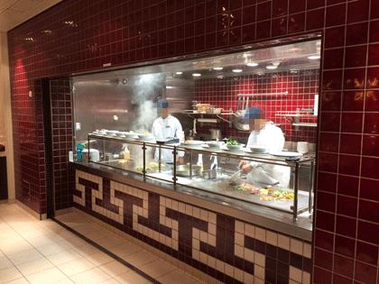 Die WOK-Station im EAST Restaurant auf AIDAprima