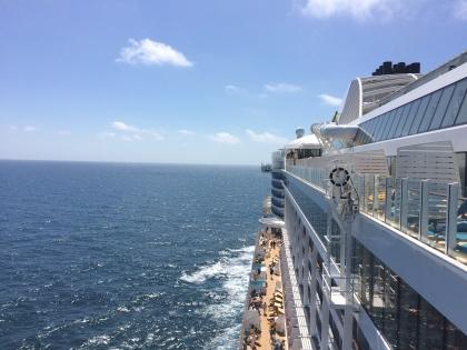 AIDAprima im Sommer auf See