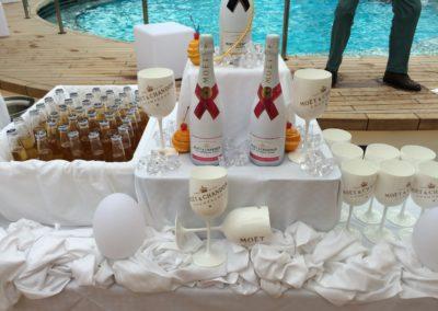 Getränke im Beachclub auf AIDAprima
