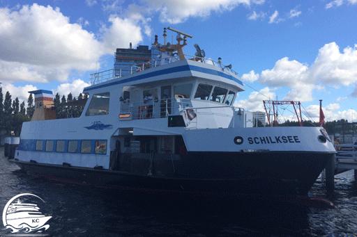 """Bilck auf das Boot """"Schilksee"""", mit dem wir die Hafenrundfahrt in Kiel gemacht haben"""