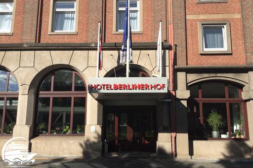 Bilck auf den Eingangsbereich vom Hotel Berliner Hof Kiel