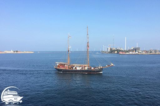 Blick auf ein Segelschff vor Kopenhagen