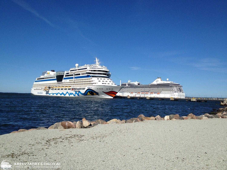 Kreuzfahrtschiffe im Hafen von Tallin