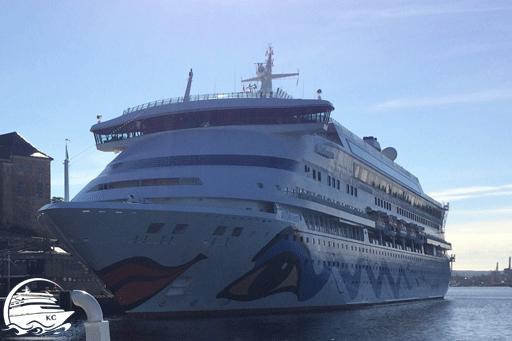 AIDAaura im Hafen