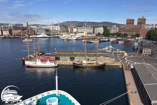 Blick vom Schiff auf den Hafen von Oslo