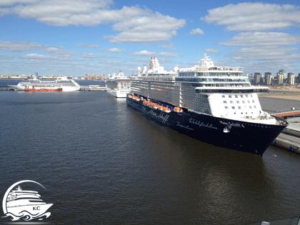 Kreuzfahrtschiffe im Hafen von St. Petersburg