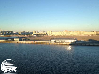 Blick auch ein Kreuzfahrtterminal in St. Petersburg