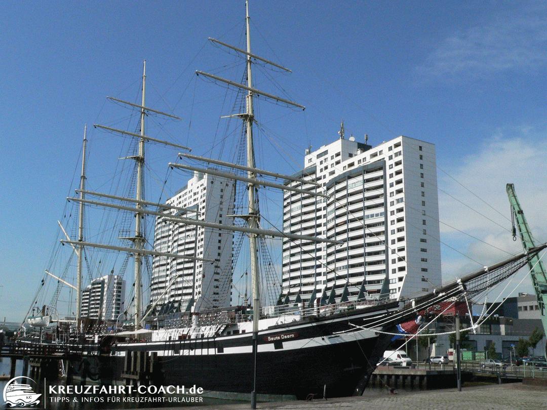 Blick auf das Museumsschiff