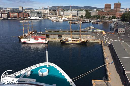 Blick vom Cruiseterminal Oslo Richtung Rathaus